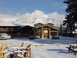 Rundle Mountain Lodge photos Exterior