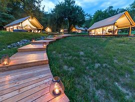 Chateau Ramsak Vineyard Glamping Resort photos Exterior