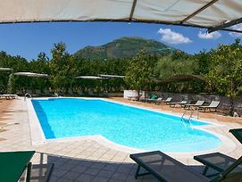 Spacious Holiday Home In San Cipriano Picentino With Terrace photos Room