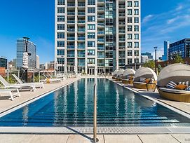 Apartment In River North With Balcony photos Exterior