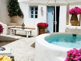 Luxury Villa In Megalochori Santorini With Jacuzzi photos Exterior