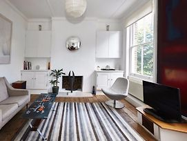 Stunning 3 Bed Home In Kentish Town photos Exterior