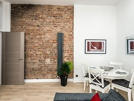 Stunning City Centre 2 Bedroom Apartments photos Exterior