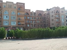 Apartment With Pool View In Hurghada photos Exterior