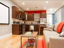 Stunning Luxury 2 Bedroom -- Near Nyc Train photos Exterior