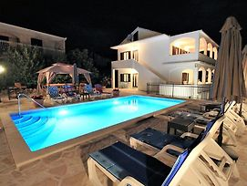 Seaside House With A Swimming Pool Businci Ciovo 12081 photos Exterior