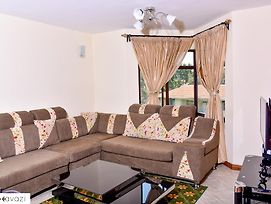 Classic Apartment Near Jkia Airport photos Exterior