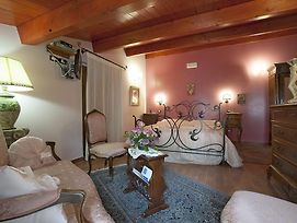 B&B La Ginestra photos Room