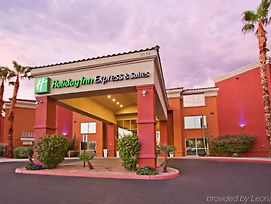 Holiday Inn Express & Suites Scottsdale - Old Town photos Exterior