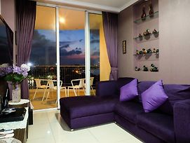 Spacious And Seaview 2Br Pacific Ocean At Ancol Mansion By Travelio photos Exterior