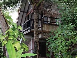 Panji Panji Tropical Wooden Home photos Exterior