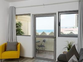 Beachfront 52 By Tlv 2 Rent photos Exterior