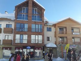 Home For Skiers And Snowboarders photos Exterior