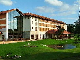 Chessington Hotel photos Exterior