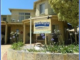 Seascapes Bed & Breakfast Mindarie photos Exterior