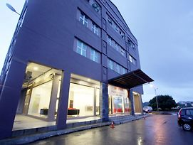 Place2Stay Business Hotel - Waterfront photos Exterior