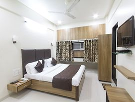 Oyo Rooms Chembur Monorail Station photos Exterior