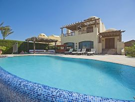 Beachfront El Gouna Villa With Pool - Sabina Y144 photos Exterior
