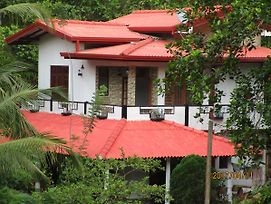 Maneesha Guest House photos Exterior