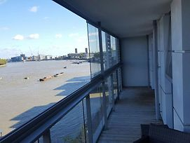 2 Bedroom Apartment On The River Thames photos Exterior