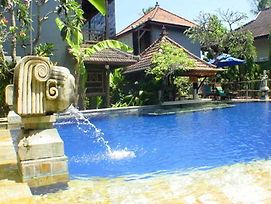 Putu Bali Villa And Spa photos Exterior