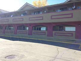 Canadas Best Value Inn Calgary Chinook Station photos Exterior