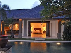 Grand Avenue Bali photos Exterior