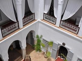 Riad Tizwa photos Exterior