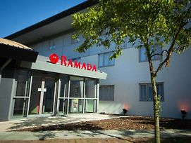 Ramada South Mimms M25 photos Exterior
