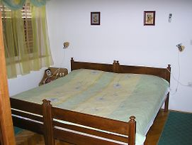 Triple Room Starigrad 11452F photos Exterior