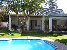 Falcon Crest Self Catering Cottages photos Exterior