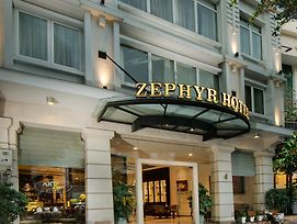 Zephyr photos Exterior