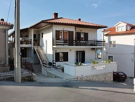 Apartments And Rooms With Parking Space Vrbnik 5301 photos Exterior