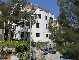 Apartments With A Parking Space Rabac 7688 photos Exterior