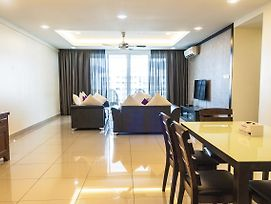 Summerton Luxury Suite By D Imperio Homestay Penang photos Exterior