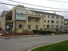 Budgetel Inn And Suites - Glen Ellyn photos Exterior