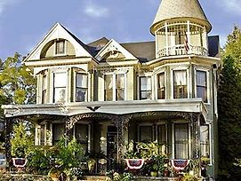 Gelinas Manor Victorian Bed & Breakfast photos Exterior