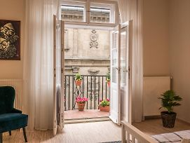 Your Home In Budapest 3Br photos Exterior