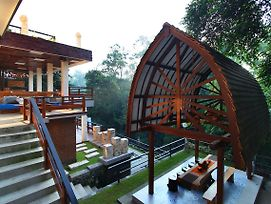 Little Ubud River View Villa photos Exterior