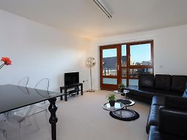 Modern, Stylish 1 Bed In Shadwell photos Exterior