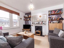 2 Bedroom Flat In North London photos Exterior