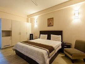 Oyo Rooms Noida Golf Course photos Exterior