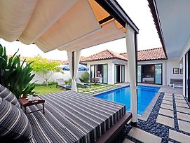 Holiday Villa Pantai Indah Bintan photos Exterior