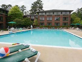 Williamsburg Woodlands Hotel & Suites photos Exterior