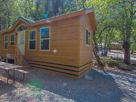 Ponderosa Camping Resort One-Bedroom Cabin 4 photos Exterior