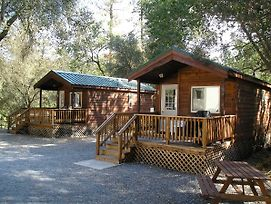 Ponderosa Camping Resort One-Bedroom Cabin 1 photos Exterior