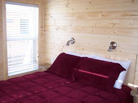 Snowflower Camping Resort Wheelchair Accessible Cottage 8 photos Exterior