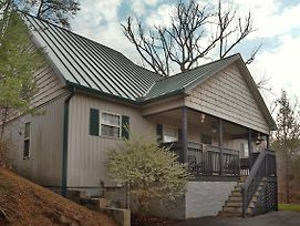 Wildwood Falls 4 3 Bedroom Cabin By Redawning photos Exterior