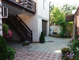 Guest House On Sverdlova 58 photos Exterior