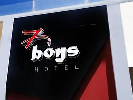 7 Boys Hotel photos Exterior